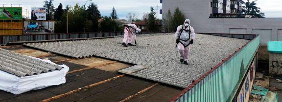 Retirada de uralita en las antiguas instalaciones de Iberdrola en León