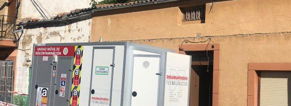 Trabajos de retirada de una cubierta de fibrocemento en Peñaranda de Bracamonte (Salamanca)