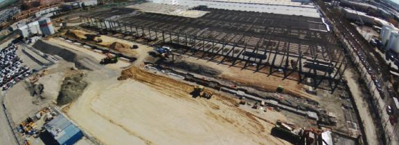 Vista aérea de los trabajos en el centro logístico de Media Markt en Pinto