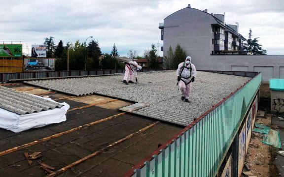 Retirada de cubierta de uralita en las antiguas instalaciones de Iberdrola en León